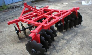 CroppedImage350210-3Pt-Lift-Type-Disc-Harrows.jpg