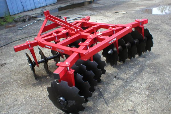 CroppedImage600400-3Pt-Lift-Type-Disc-Harrows.jpg